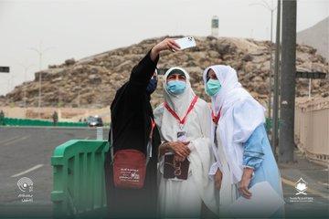 وصول طلائع الحجاج إلى صعيد عرفات صباح اليوم (رويترز)