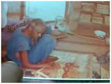 صورة شيخنا الدنبجه في مكتبته مدرسا ومؤلفا ومفتيا