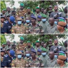 في أغسطس/آب الماضي، أطاح عسكريون بالرئيس المنتخب كيتا وتعهدوا بتسليم السلطة إلى مدنيين (الأناضول) 2